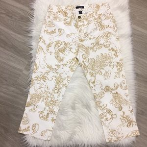 NWOT Chaps White Denim Capris with Gold Pattern
